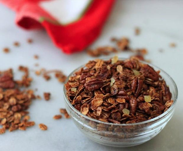 Healthy Eats: Homemade Gingerbread Granola
