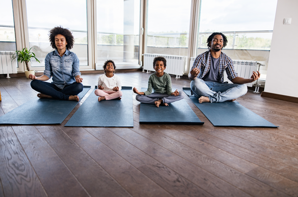 How to Enjoy Yoga With the Whole Family