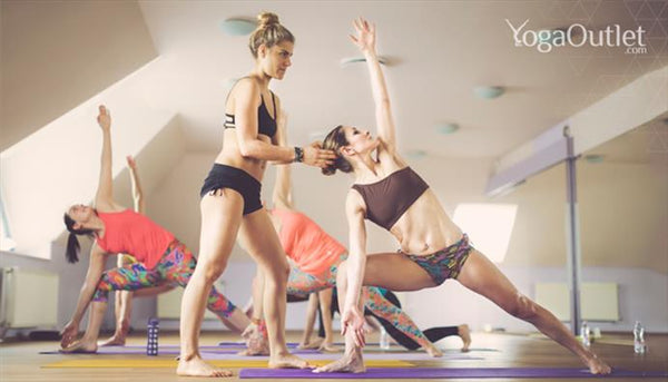 20 Thoughts You Have During Your First Yoga Class