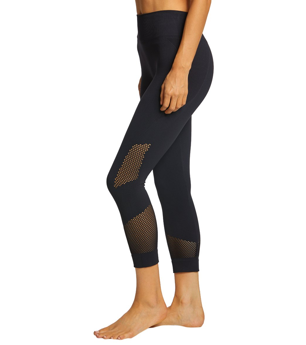 NUX Network Seamless Yoga Capri Pants - Black Spandex