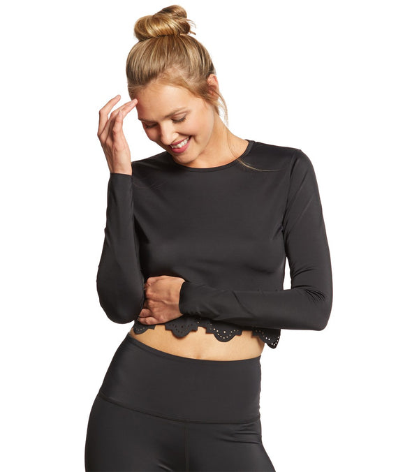 Beyond Yoga Cruz Scalloped Cropped Long Sleeve Top