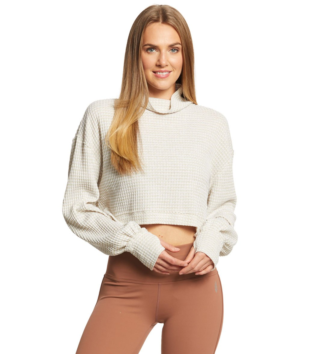 4ccd7a4717f Free People Movement BK Long Sleeve Crop Top at YogaOutlet.com ...