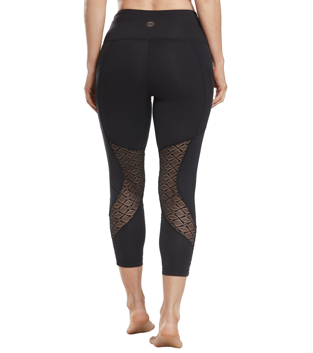 dff82cfbe78a26 Balance Collection Evie High Rise Yoga Capris