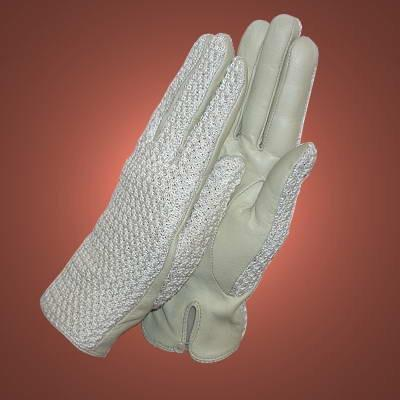 Finishing Touch Classic Turnout Gloves - Cream Gloves and Socks