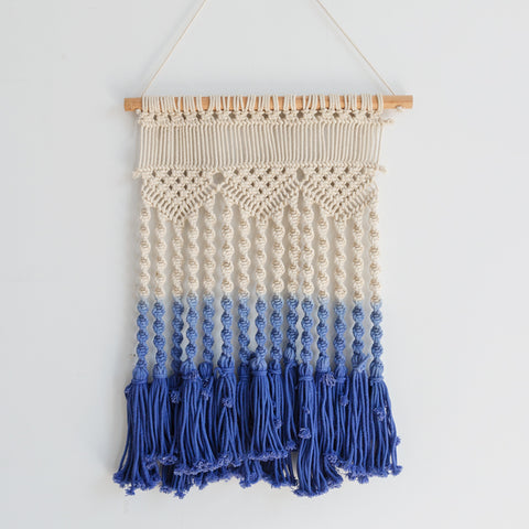 Handmade Macrame Wall Hanging (Blue/White)