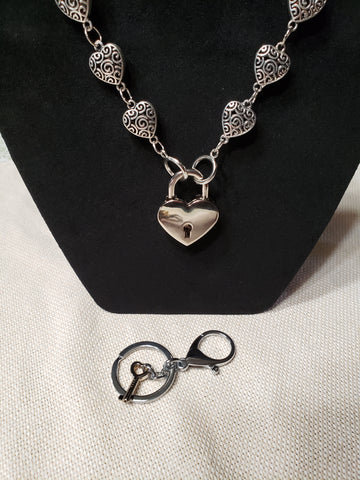 Silver Plated Heart Shaped Collar w/ Square Lock