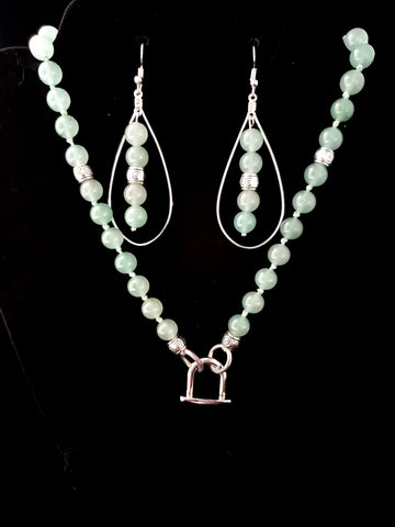 Mint (Light) Green Agate Collar & Matching Earrings