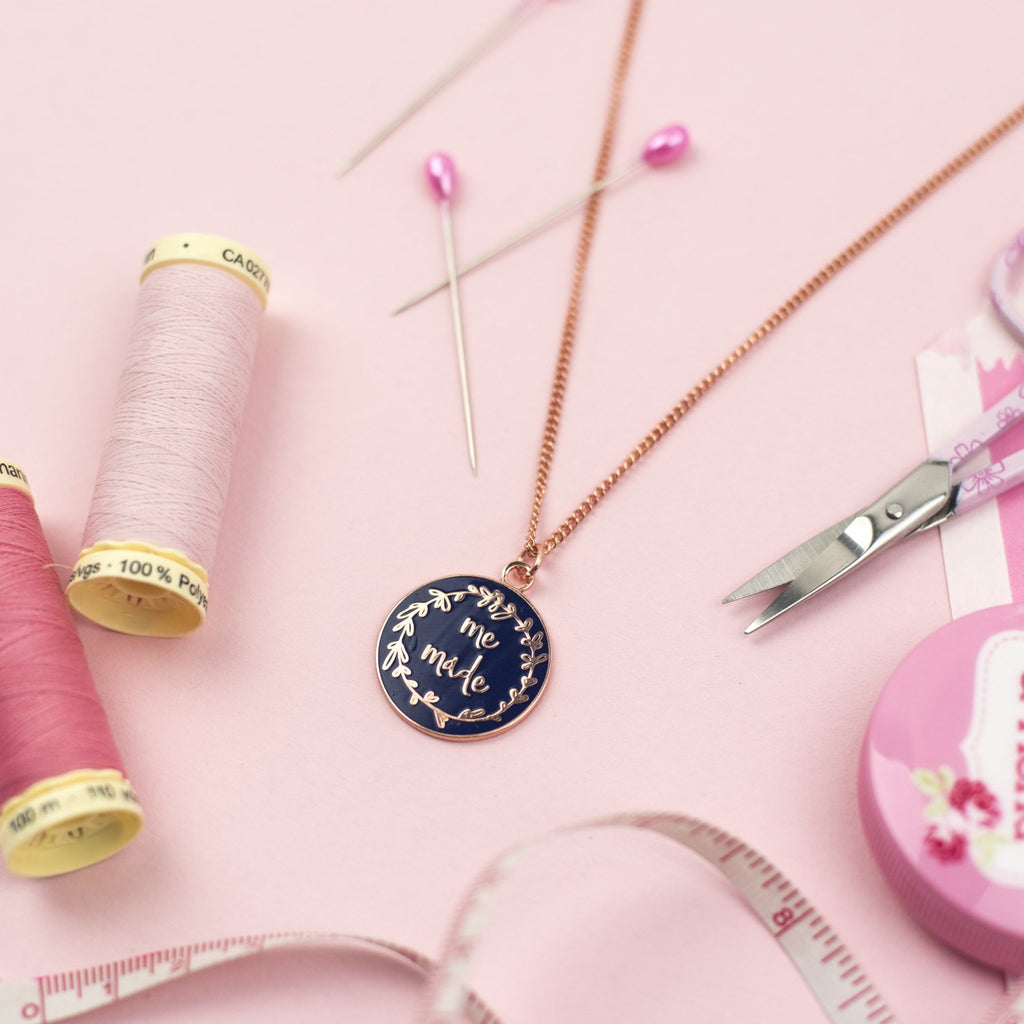 Me Made necklace (navy) - Pink Coat Club