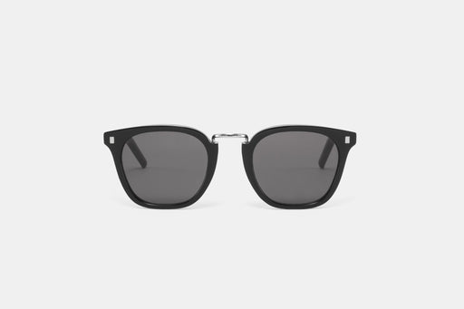 Ando Black - solid grey lens