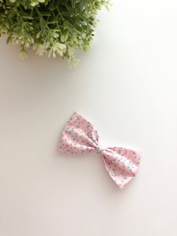 Sweet Pink Flower Classic Bow