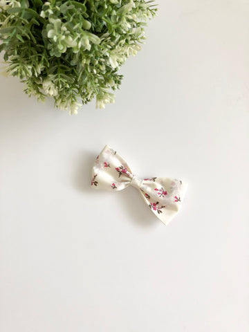 Cream Flower Classic Bow
