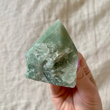 Load image into Gallery viewer, GREEN AVENTURINE HALF POLISHED POINT 1