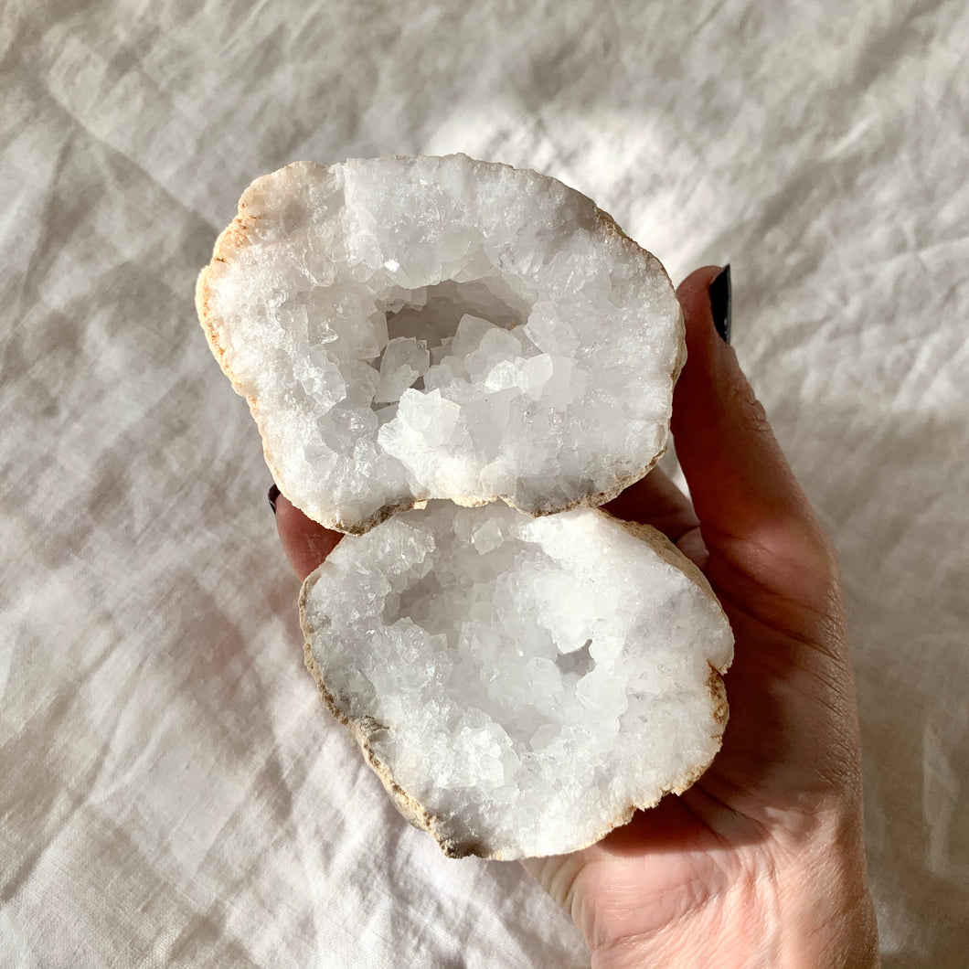 CLEAR QUARTZ GEODE MEDIUM PAIR 10