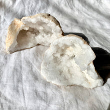 Load image into Gallery viewer, CLEAR QUARTZ GEODE MEDIUM PAIR 13