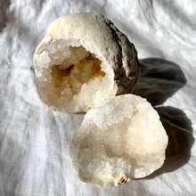 Load image into Gallery viewer, CLEAR QUARTZ GEODE MEDIUM PAIR 14