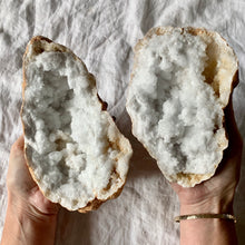 Load image into Gallery viewer, CLEAR QUARTZ GEODE LARGE PAIR 5