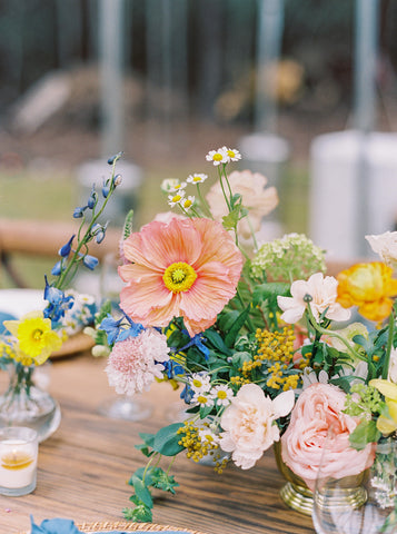 Floral centerpiece with poppies