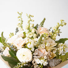 Load image into Gallery viewer, The Donna Bouquet