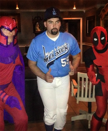 Kenny Powers Costume Reviews