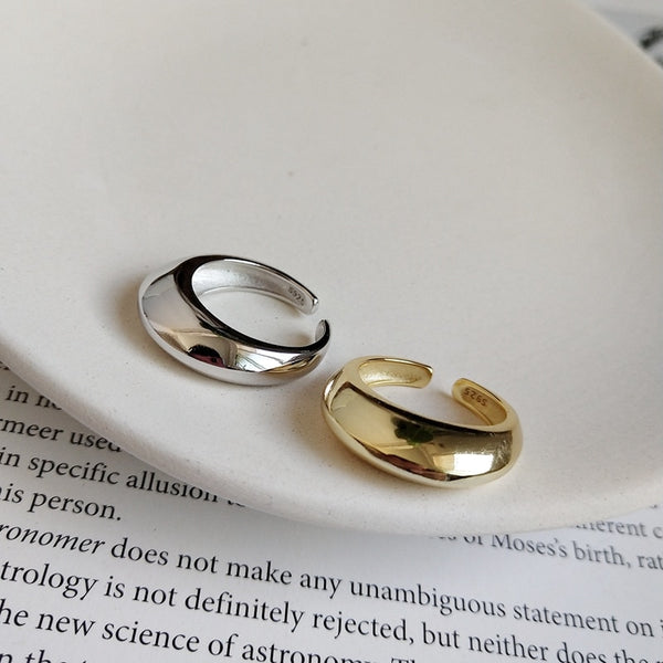 Concave Curved Ring