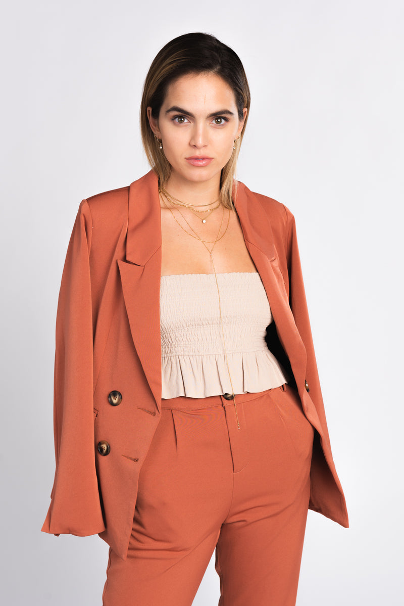 terra cotta double breasted blazer, classic blazer, suiting trend, wear to work, how to style a suit, fall fashion trends 2018