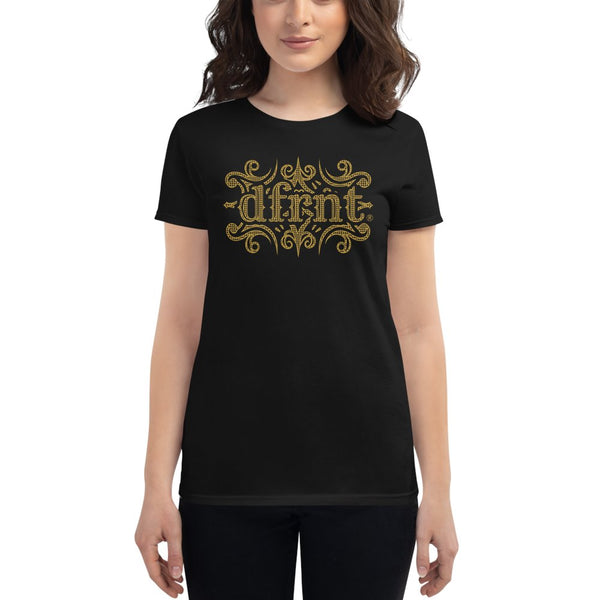 ORNATE DFRNT | womens tee