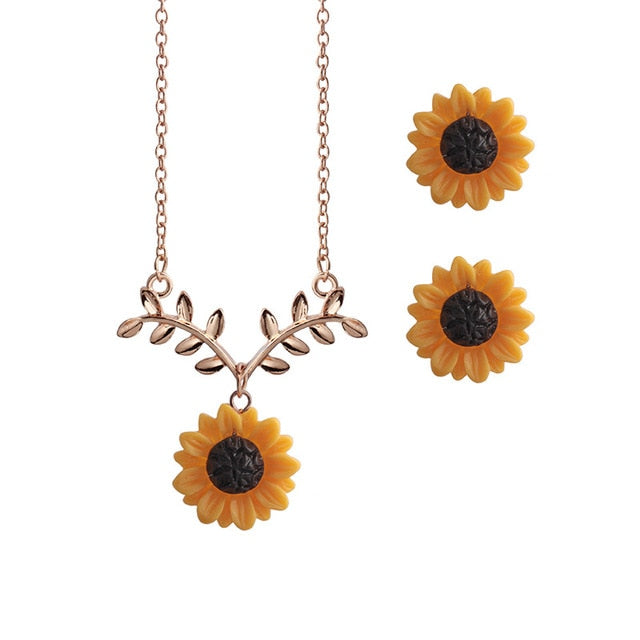 Alloy Rose Pendant Necklace - YOUTAAS