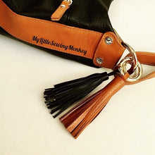 Load image into Gallery viewer, Tassel pattern, Keychain, Keyring