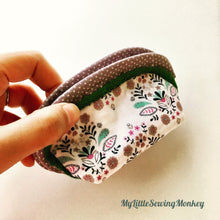 Load image into Gallery viewer, Free Coin Pouch Sewing Pattern - Free PDF Sewing Pattern