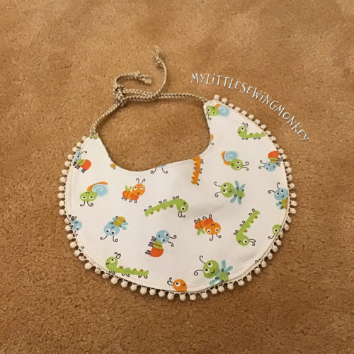 PDF Sewing Pattern - Round baby bib with lace poms, Easy pattern tutorial, quick sewing, Sewing DIY, Sewing Tutorial, Sewing how-to