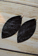 Load image into Gallery viewer, Black Shiny Leaf Earrings