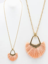 Load image into Gallery viewer, Fan Tassel Necklace ~Pink~