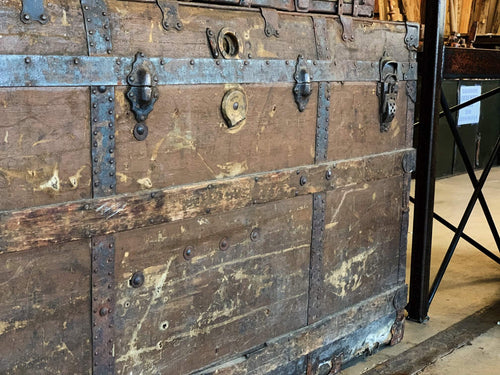 Large Vintage Steamer Trunk (48.5 x 28.5 x 27