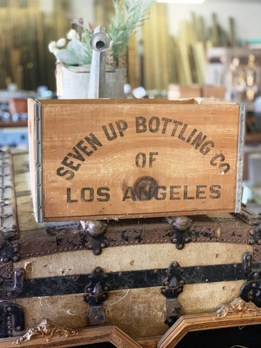Vintage Seven Up Bottling Co Crate