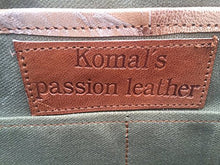 Load image into Gallery viewer, Komal's Passion Leather 18 Inch Retro Leather Briefcase Laptop Messenger Bag