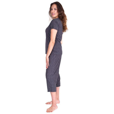 WOMEN'S MOISTURE WICKING V-NECK CAPRI SET - Cool-jams