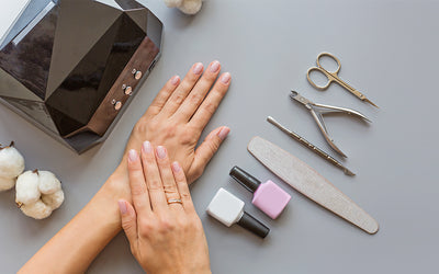 Beginner's Guide: DIY Gel Manicure at Home!