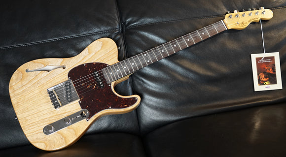 G&L ASAT Classic Semi-Hollow Tele Natural Swamp Ash Gloss inklusive Originalkoffer