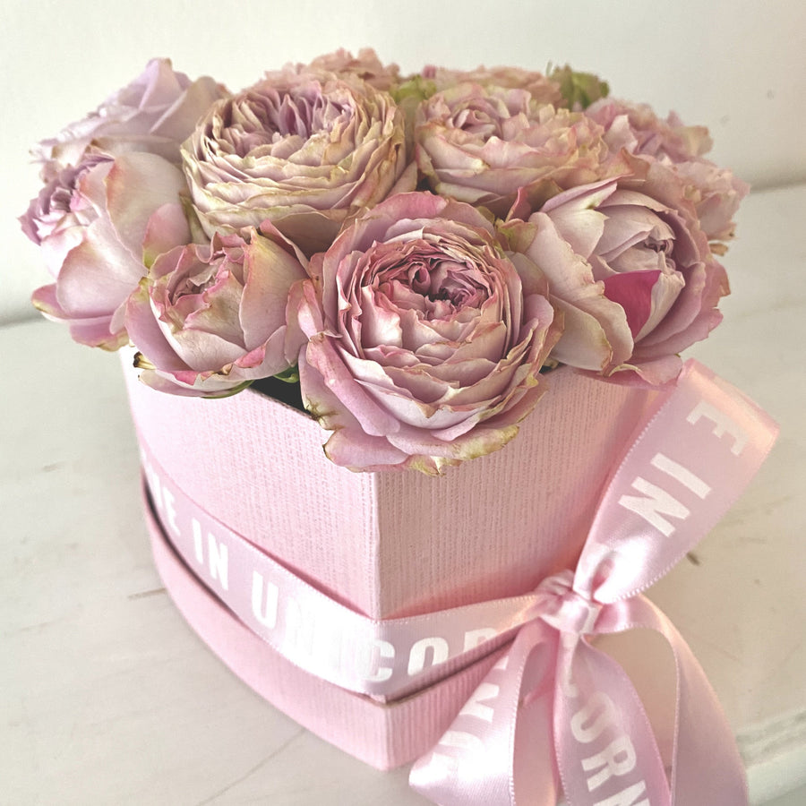 Flower box HEART mini roses