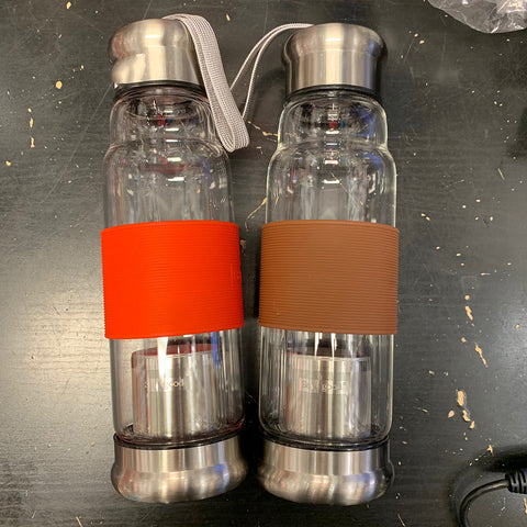 Clear Glass Bottle with Tea Filter and Silicone Sleeve
