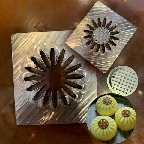 Deluxe Aluminum Bun Press Mold - Flower