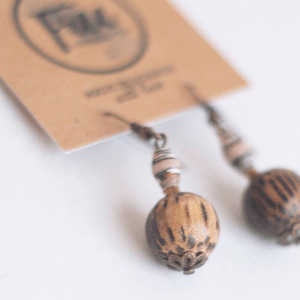 Earrings _ Beige beads
