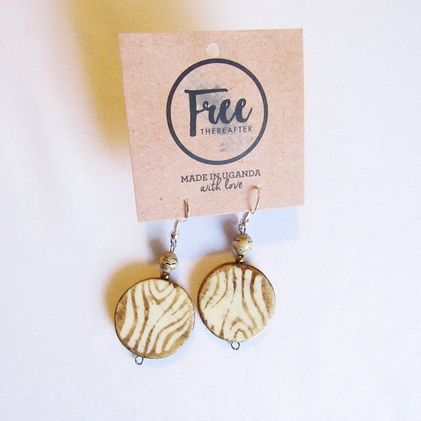 Earrings - Beige beads & Rounded wooden piece