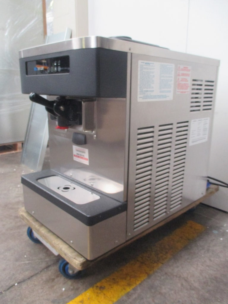 Taylor C152 Ice Cream Machine (3)