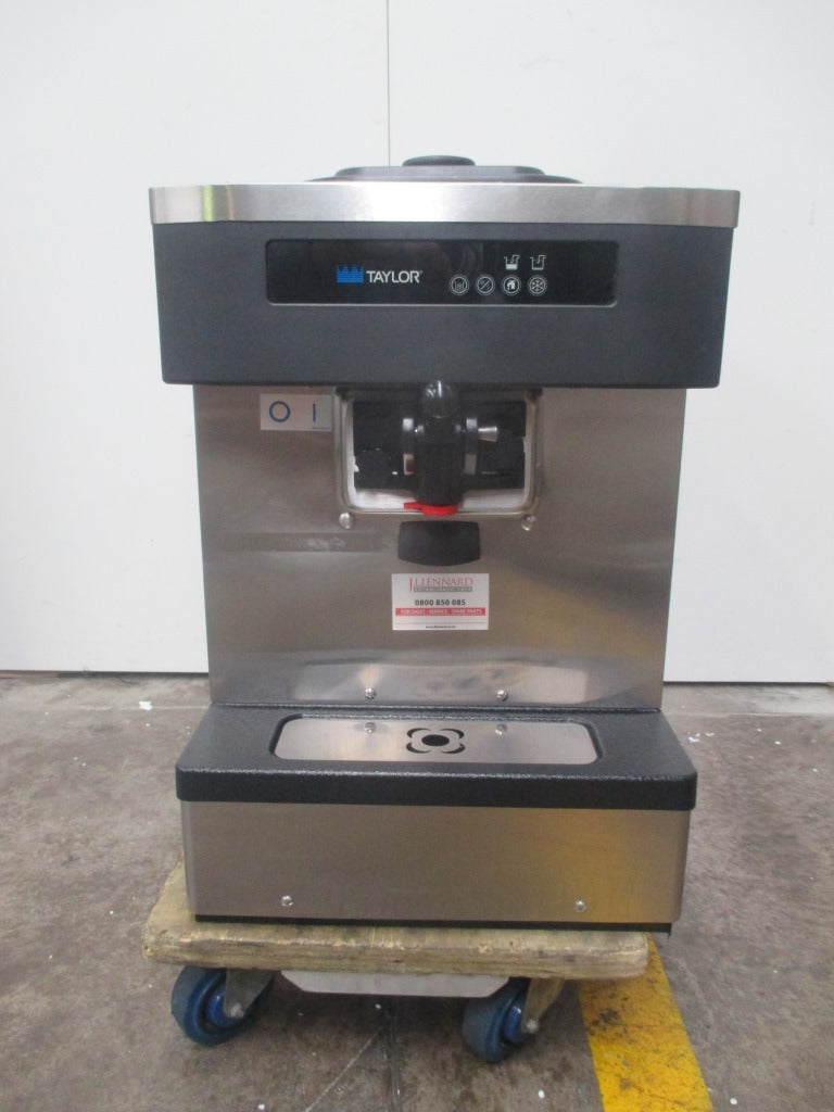 Taylor C152 Ice Cream Machine (1)