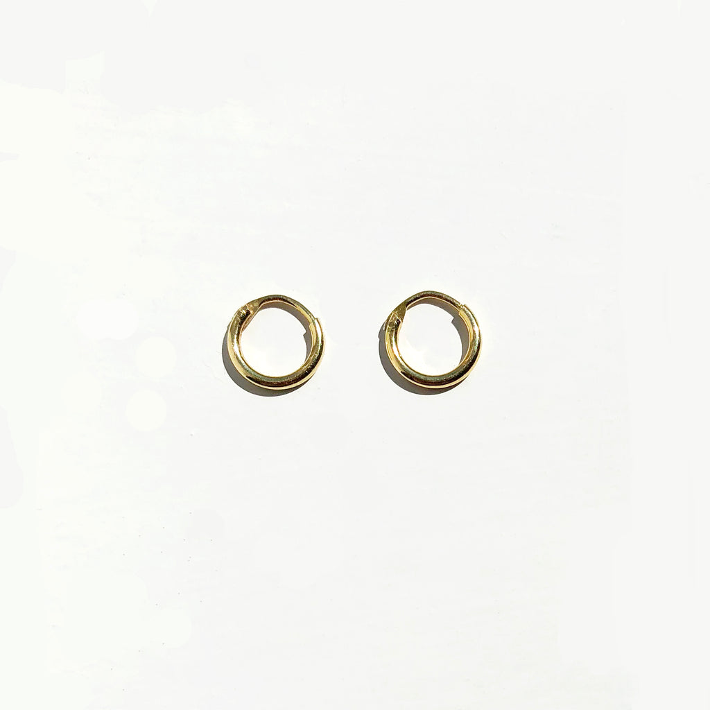 Simple Mini Hoop Earrings - Astrid