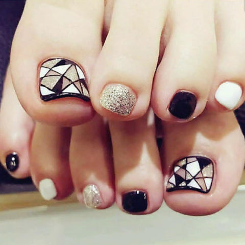 Geometric Diamond Press On Toenails