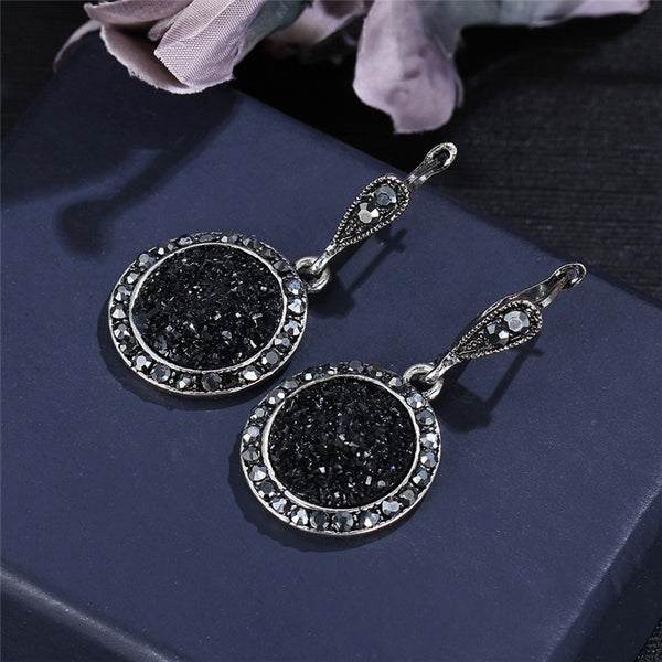 Glittering Round Black Jewelry Set