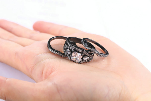 Glitzy Princess Cut 3 Piece Wedding Ring Set