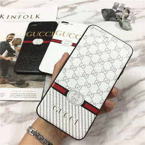GUCCI(グッチ) Logo IPhone XS Max、XS、XR、X、7/8、7/8 Plus、6/6s、6/6s Plus ケース 3色